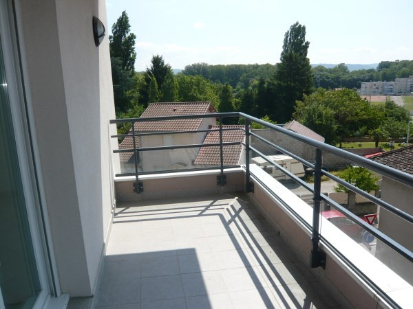 Rental apartment Chavanoz 735€ CC - Picture 3