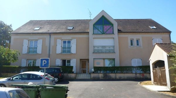Location appartement Janville sur juine 481€ CC - Photo 1