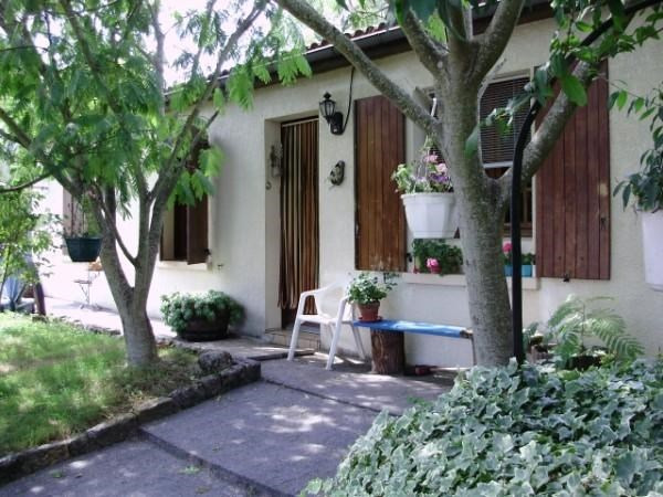 Sale house / villa Loulay 149800€ - Picture 1
