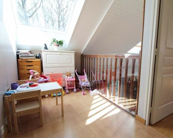Sale house / villa Maurepas 451000€ - Picture 6