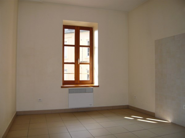 Rental apartment Bourgoin jallieu 445€ CC - Picture 3