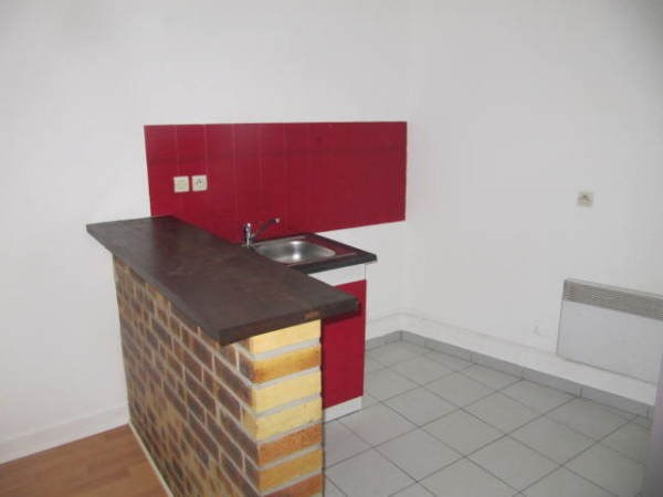 Rental apartment Janville sur juine 550€ CC - Picture 3