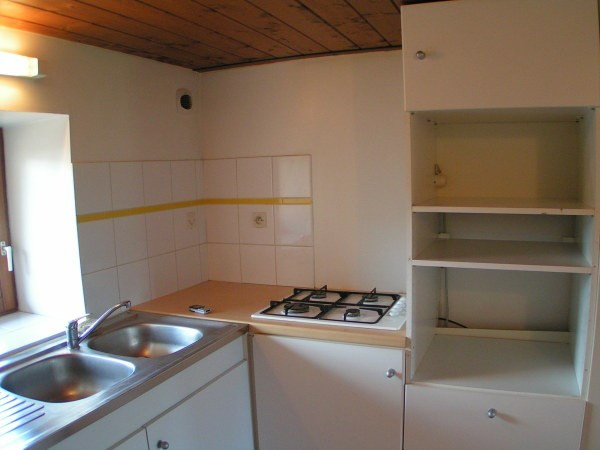 Location appartement Cremieu 605€ CC - Photo 3