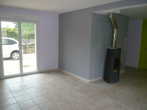 Location maison / villa Chozeau 823€ CC - Photo 3