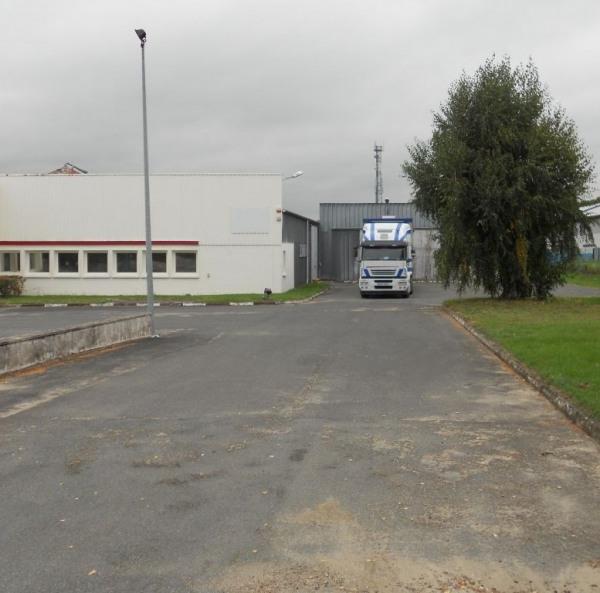 Location Local d'activités / Entrepôt Lacroix-Saint-Ouen 0
