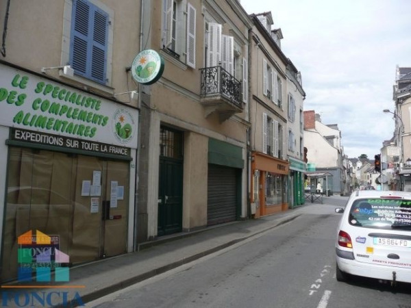Location Local commercial Laval 0