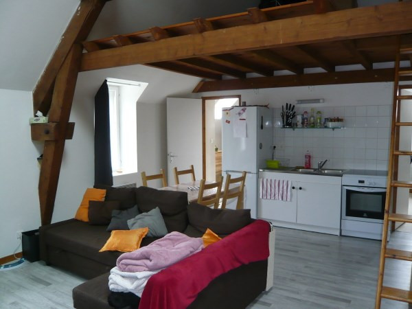 Location appartement Cremieu 480€ CC - Photo 1