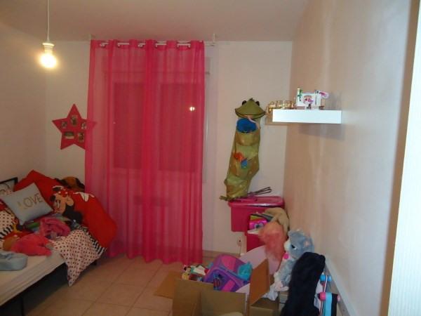 Location maison / villa Janneyrias 920€ CC - Photo 4