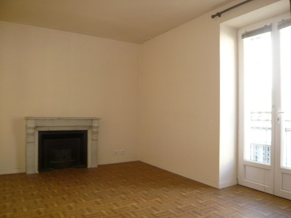 Location appartement Cremieu 467€ CC - Photo 4