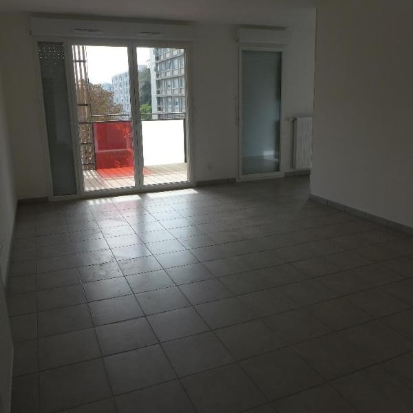 Rental apartment St fons 795€ CC - Picture 5