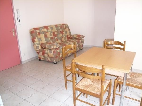 Rental apartment Bourgoin jallieu 380€ CC - Picture 2
