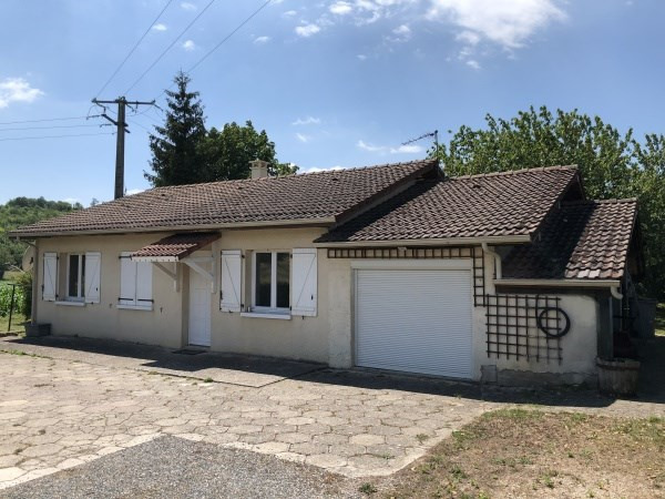 Location maison / villa Annoisin chatelans 890€ CC - Photo 1