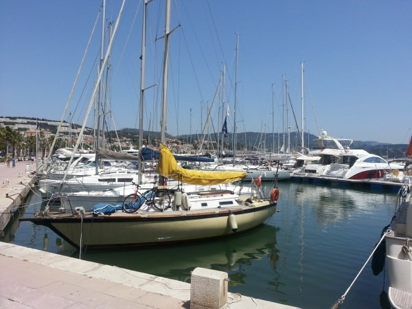 Rental apartment Bandol 850€ CC - Picture 1