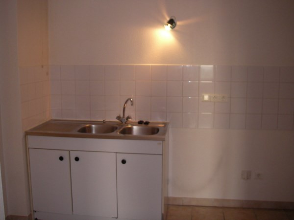 Rental apartment Ambronay 385€ CC - Picture 4