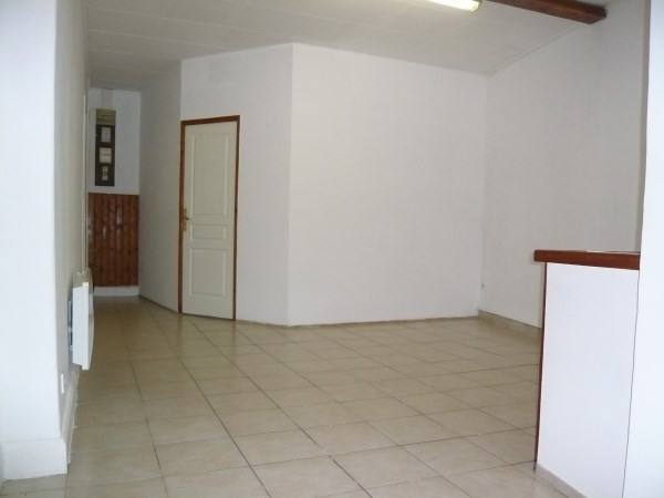 Rental apartment Pont de cheruy 385€ CC - Picture 2