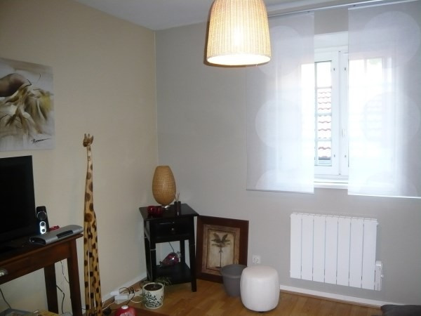 Rental apartment Cremieu 528€ CC - Picture 2