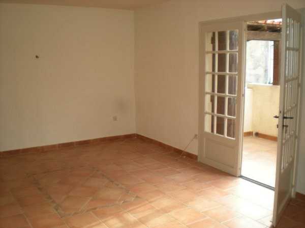 Location appartement Marseille 16ème 750€ CC - Photo 2