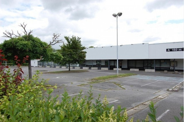 Location Local commercial Cuise-la-Motte 0