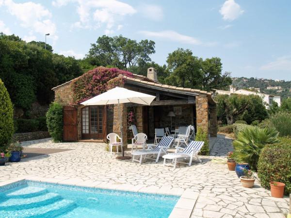 Villa provençale en pierres avec vue mer et piscine