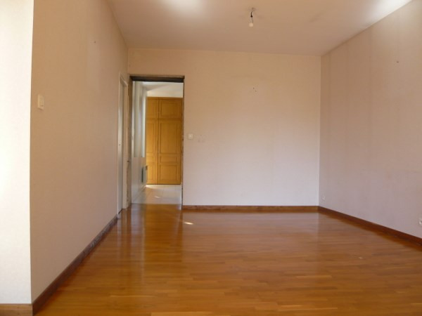 Rental apartment Cremieu 592€ CC - Picture 5
