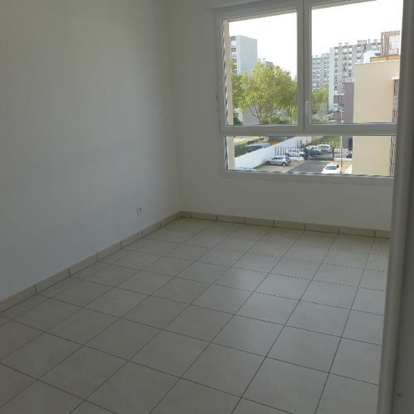 Rental apartment St fons 795€ CC - Picture 8