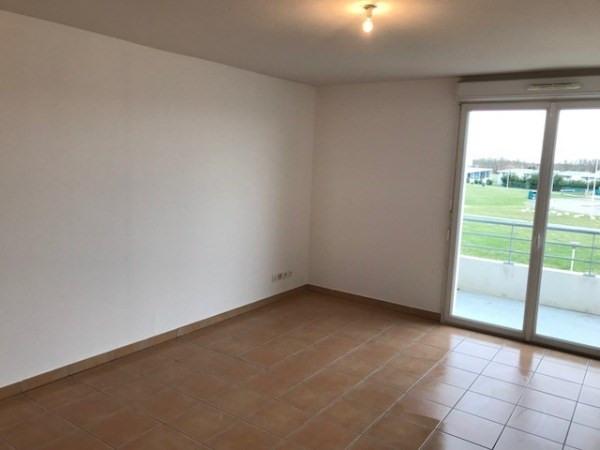 Rental apartment La salvetat st gilles 486€ CC - Picture 2