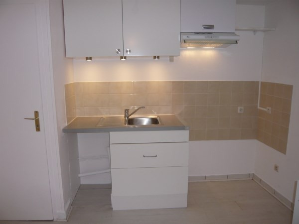 Rental apartment Cremieu 590€ CC - Picture 4