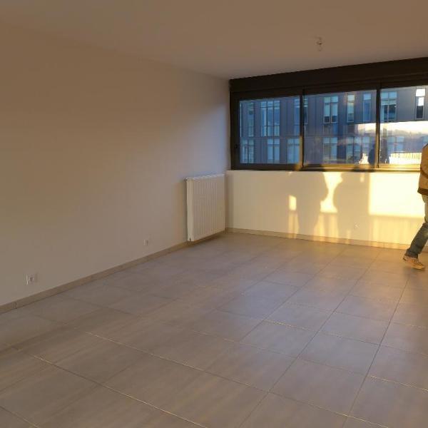 Rental apartment Lyon 9ème 898€ CC - Picture 1