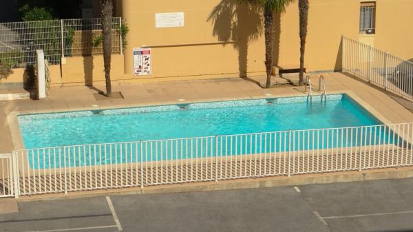 Jolie T2 dans résidence avec piscine, 1 chambre, petite terrasse