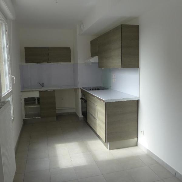 Rental apartment St fons 795€ CC - Picture 4