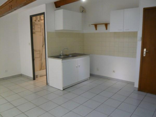 Location appartement Montluel 335€ CC - Photo 1