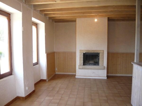 Location maison / villa Trept 560€ CC - Photo 4