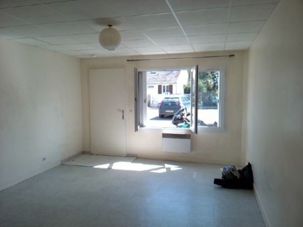 Location appartement Janville sur juine 450€ CC - Photo 1