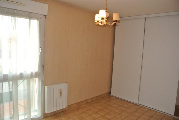 Rental apartment Saint romain de jalionas 685€ CC - Picture 4