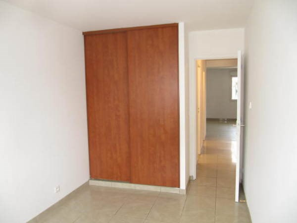 Location appartement Le plessis pate 815€ CC - Photo 4
