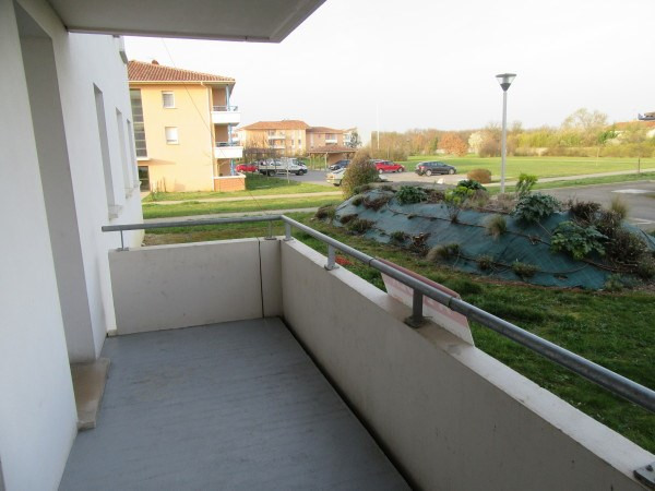 Rental apartment Salvetat saint gilles 486€ CC - Picture 1