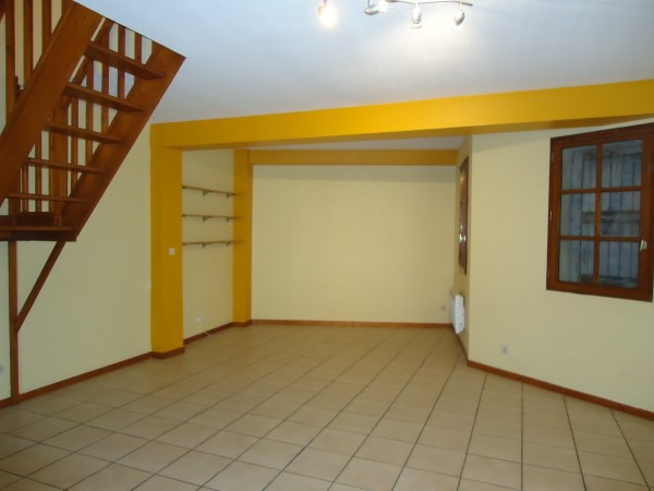 Location appartement Cremieu 651€ CC - Photo 2