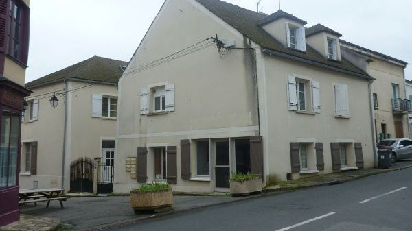 Rental apartment Chamarande 595€ CC - Picture 1