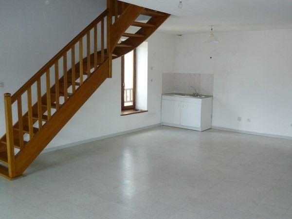 Location appartement Cremieu 660€ CC - Photo 2