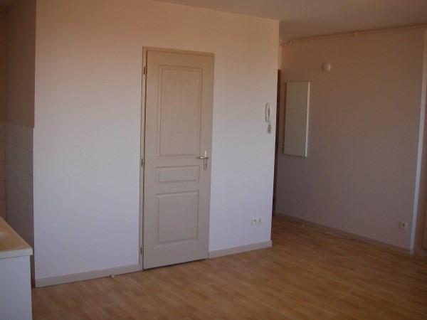 Location appartement St jean le vieux 290€ CC - Photo 3