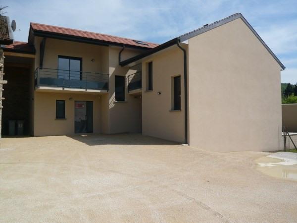 Rental house / villa Cremieu 820€ CC - Picture 1