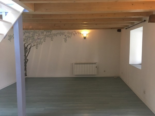 Location maison / villa Trept 580€ CC - Photo 4