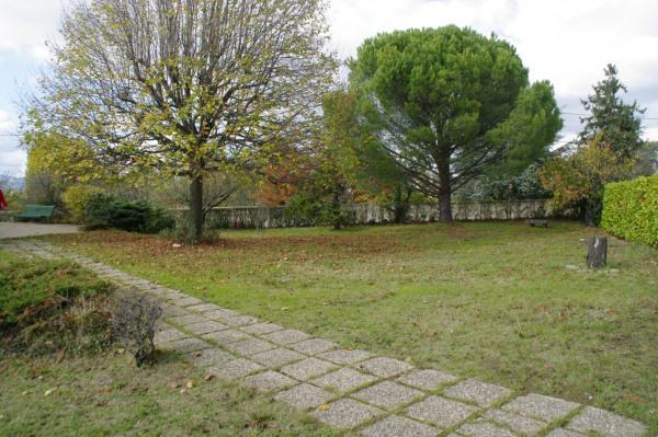 Terrain plat 558 m², centre bourg