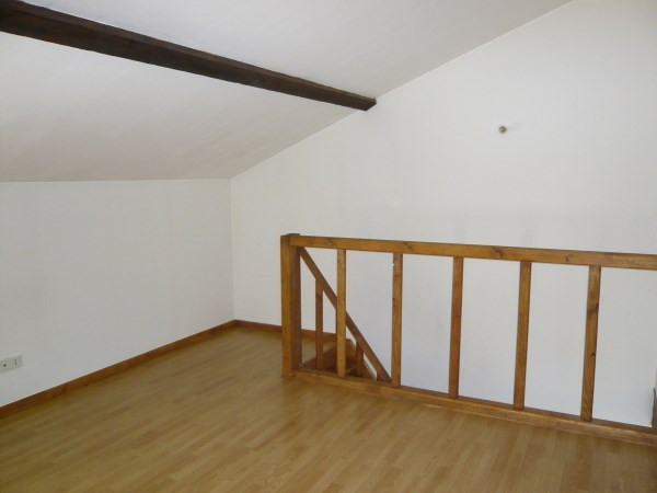 Rental apartment L'isle d'abeau 520€ CC - Picture 2
