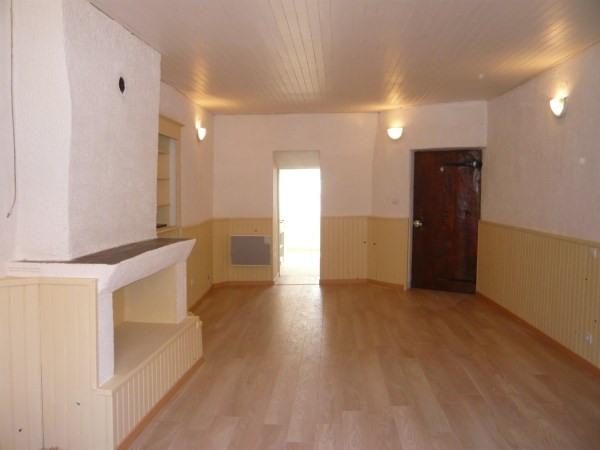 Location appartement Cremieu 365€ CC - Photo 3