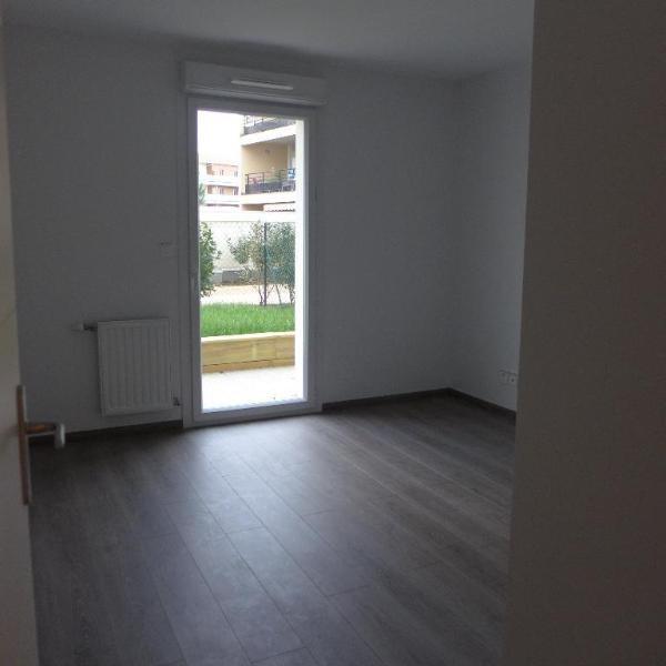Rental apartment Meyzieu 741€ CC - Picture 7