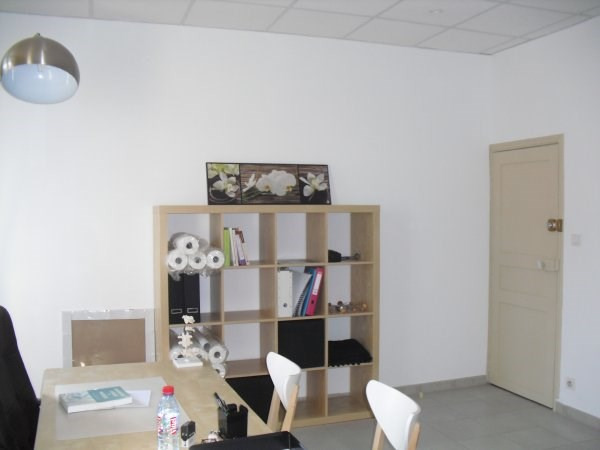 Location local commercial Marseille 16ème 510€ HC - Photo 2