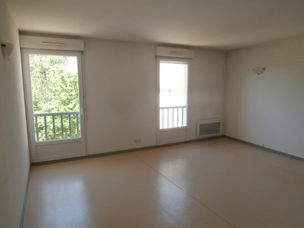 Location appartement Montalieu vercieu 549€ CC - Photo 2
