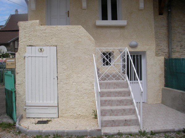Location maison / villa Montalieu vercieu 455€ CC - Photo 1