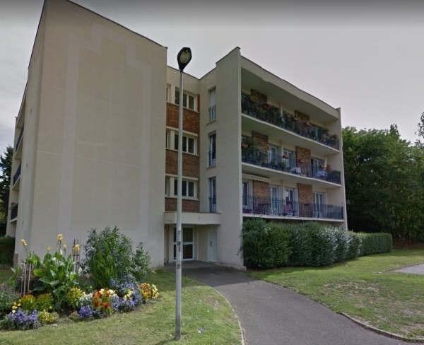 Rental apartment Maurepas 947€ CC - Picture 1